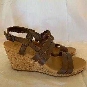 Teva Arrabelle Brown Leather  Sandal size 8 New